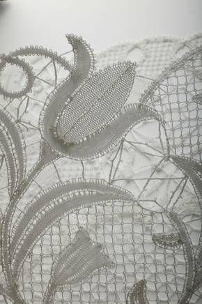 Idrija Lace – beauty created with needle, bobbin and thread | slovenia.si