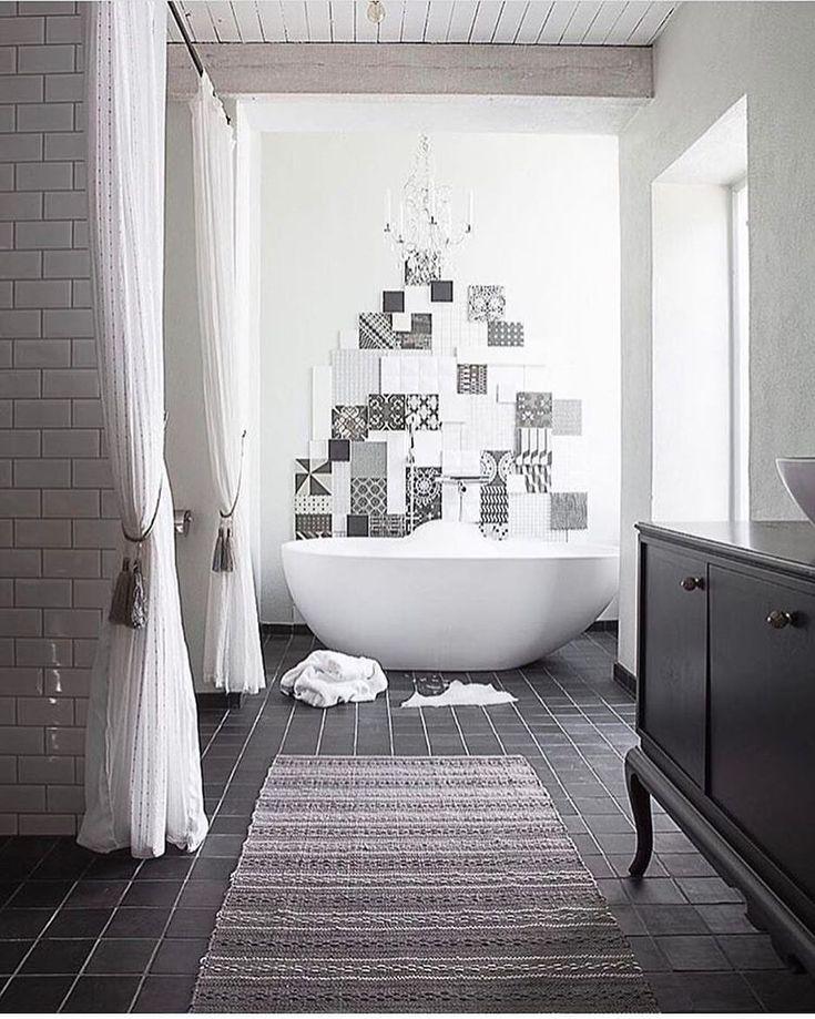 """913 gilla-markeringar, 34 kommentarer - Mirelle Stoor - Inredare (@designbymirelle) på Instagram: """"Ännu ett tips om man inte vill helkakla badrummet 👆 Sätt ihop ett snyggt kollage av massa olika…"""""""