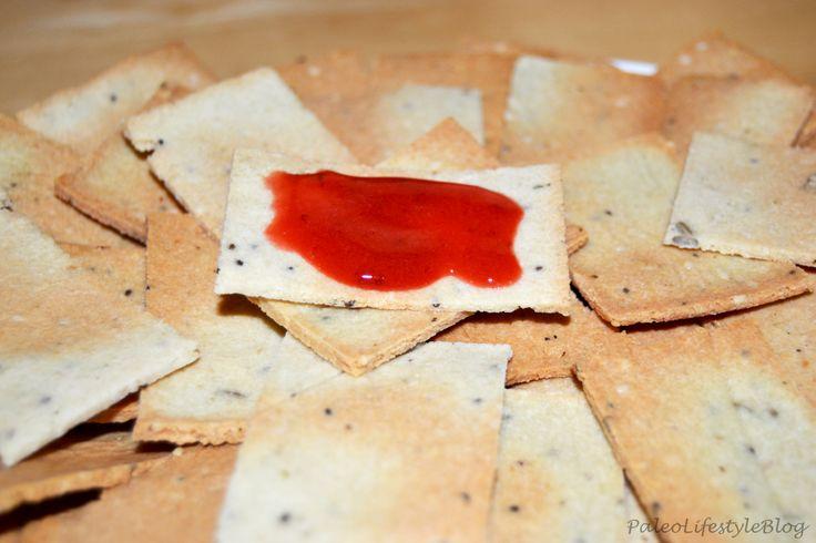 English version at the end of the page Ingredientes: 2 Cup de farinha de amêndoa 2 claras ervas a gosto sal a gosto fio de azeite sementes a gosto (chia, sésamo e girassol) Preparação: Pré-aqueça o…