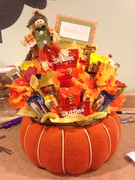Loved this autumn pumpkin candy bouquet from one of our many talented customers! What a lovely arrangement! http://www.candywarehouse.com/occasions/halloween-candy/?utm_source=Pinterest&utm_medium=Social&utm_campaign=CustomerPhoto