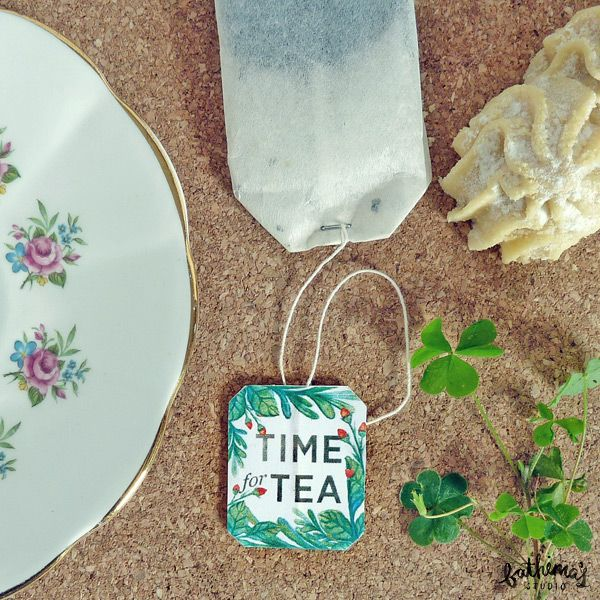 These printable botanical teabag tags are a quick and simple way to personalise an event or make your own tea time extra special.