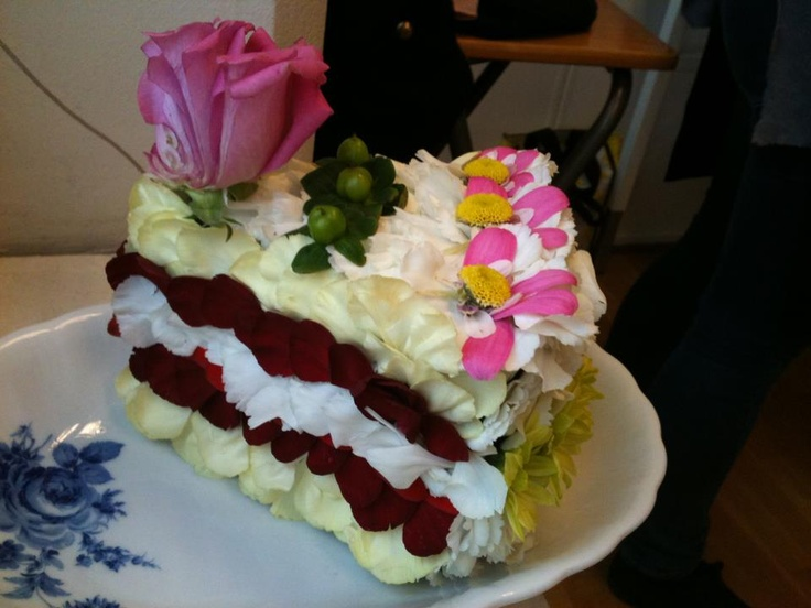 A piece of flower cake!