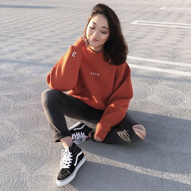 turn your face towards the sun and there are no bad days ☀️ ——— sweatshirt c/o @ader_error