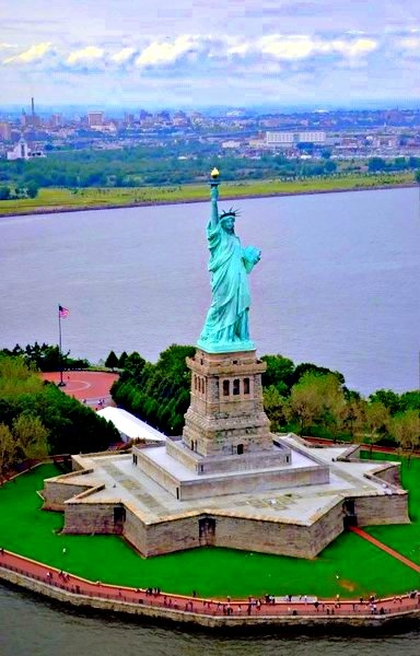 1 of the 10 Best Tourist Spots in NYC! Liberty Island.