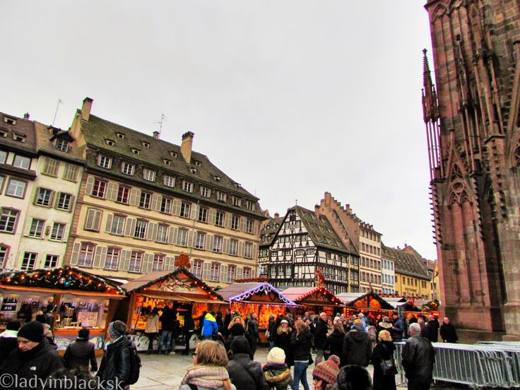 lady in black: Strasbourg, capital of Christmas #christmasmarkets #christmas #markets #strasbourg #decorations #winter #oldtown #merrychristmas #christmastree #strasburg #francuzsko #france #visitfrance #noel