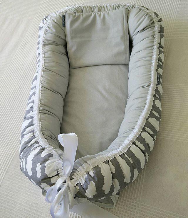Grått babynest med en tunn liten kudde ☺️ #babynest #nest #sovrede #sovpöl #rede #babyshower #bebis #nyfödd #spädbarn #sömnad #sy #sylycka #barnrumsinspo #gravid #babyshower #visytokiga #moln #evedeso #eventdesignsource - posted by Petra https://www.instagram.com/petraspyssel. See more Baby Shower Designs at http://Evedeso.com