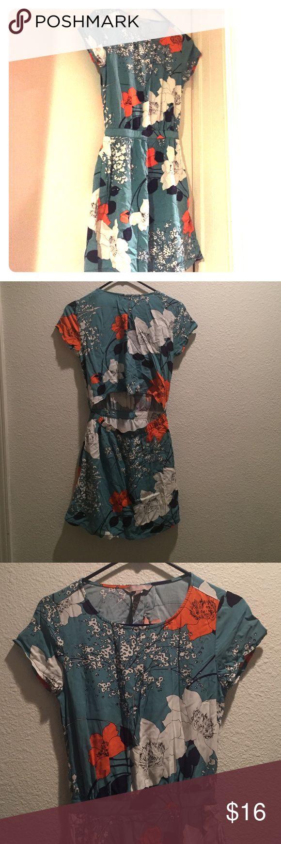 Teal floral dress Has an open back cut. It is a little wrinkled. Petite size 00 Banana Republic Dresses Mini