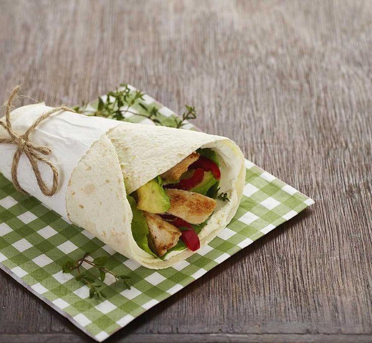 Wraps med kyllingfilet, avocado og kremost. Kan serveres både til lunsj og…