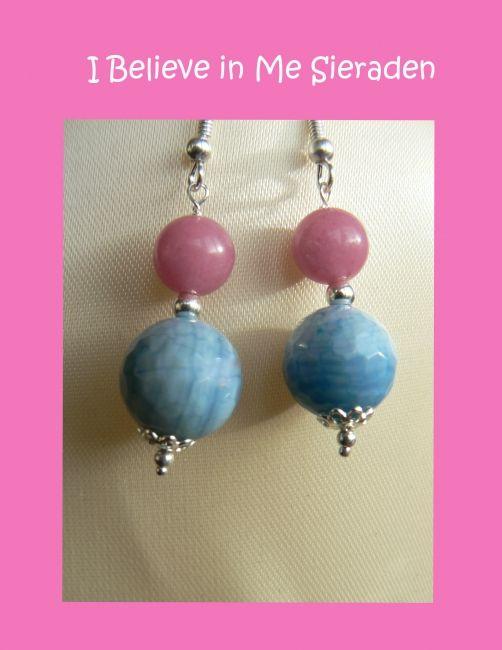 Heel vrolijke zomerse oorbellen van morganiet en blauwe agaat. Morganiet