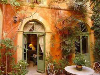 Guest house, bed and breakfast, France Provence, alpes. Cote d azur french riviera Bouches du rhone, Tarascon.