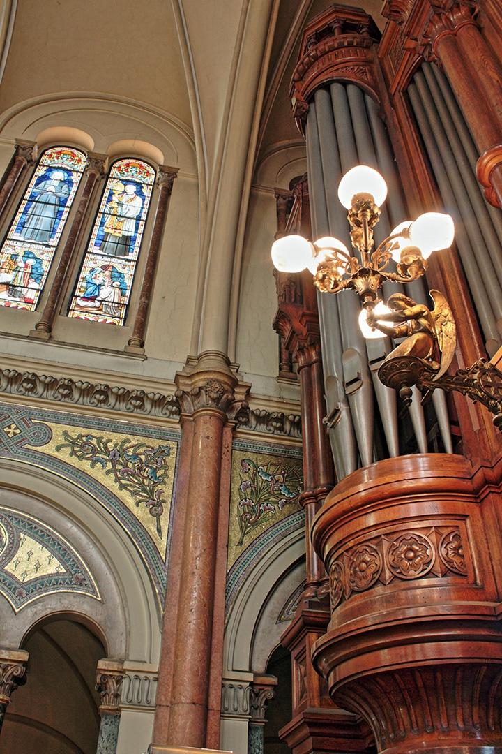 Basilica del Santisimo Sacramento (detalle interiores).-