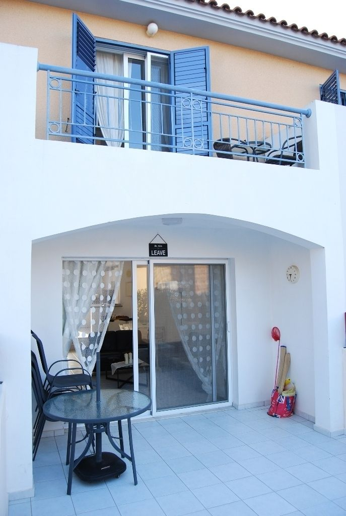 Under Offer Ref 2974 2 Bedroom Townhouse For Sale In Anarita Soldoncyprus Soc Townhouse Paphos Cyprus Holiday Homes For Sale Property House Prices
