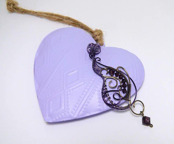 Ciondolo per collana. Pendente in filo di Rame colorato. Viola e Gunmetal. Charm. Pendant. Wire wrapping. Colored Copper.