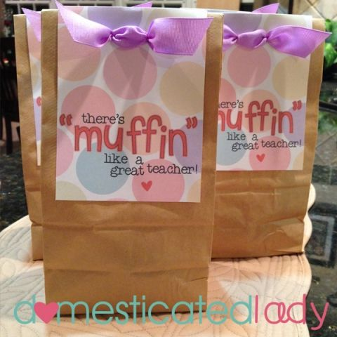 Teacher Appreciation Week Continued…Muffin Bag Topper! - 25+ teacher appreciation week ideas - NoBiggie.net