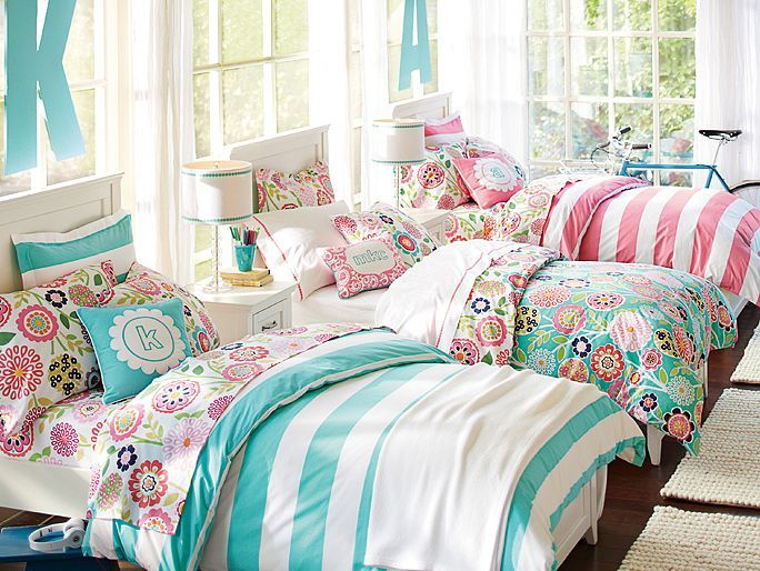 bedroom for three girls. put those huge pompom things on the celing and.. Beautiful!