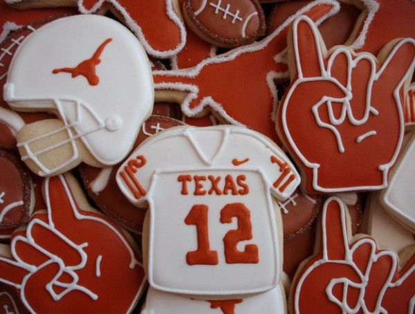 These would be great for a football party. Hook 'em!Football Team Cookies, Ems Cookies, Hookem, Football Parties, Longhorns Cookies, Football Cookies, Football Season, Hooks Ems Horns, Texas Longhorns