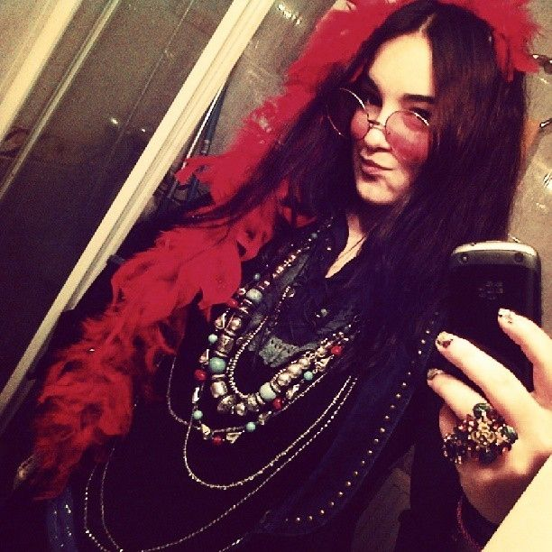 Janis Joplin | 22 Halloween Costumes Inspired By The 1960s