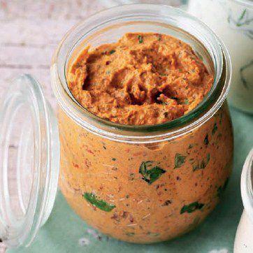 Elly's Art: Aufstrich mit getrockneten Tomaten und Kräutern: