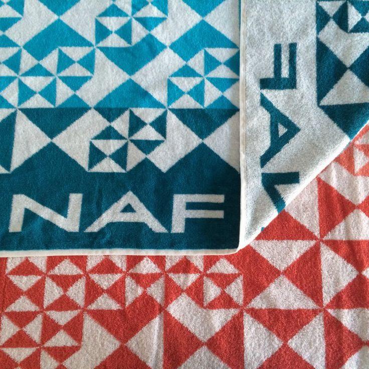 NAF NAF DUNA - welurowy recznik plażowy - NieMaJakwDomu