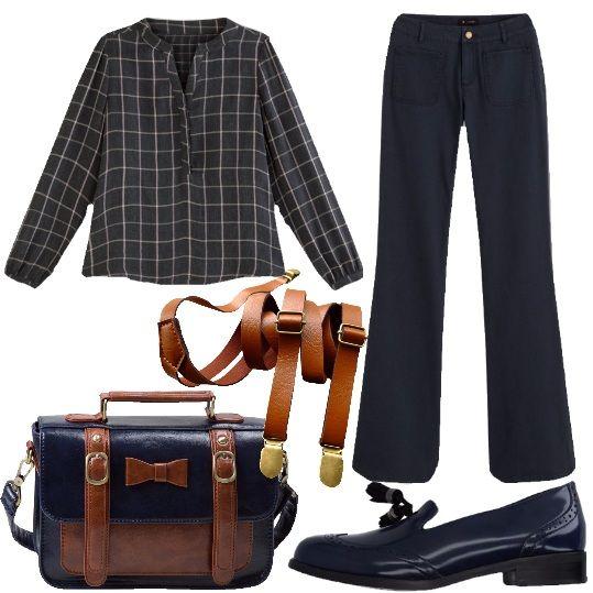 Un abbinamento all'apparenza semplice, ma davvero molto ricercato. Il pantalone blu, largo al fondo, si abbina bene con la camicia a quadri, in doppia garza di cotone, a maniche lunghe. I mocassini blu, con nappine, donano un tocco di raffinata ricercatezza, la borsa a tracolla, in ecopelle, color blu e cuoio si distingue per l'abbinamento dei colori e per i dettagli e le bretelle si abbinano alla perfezione e donano carattere a tutto l'abbinamento.