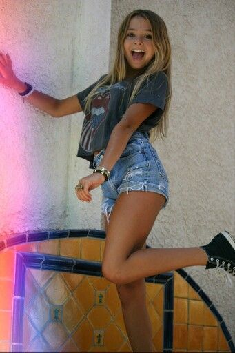 style. but she's like 12  HAhahahaha cute
