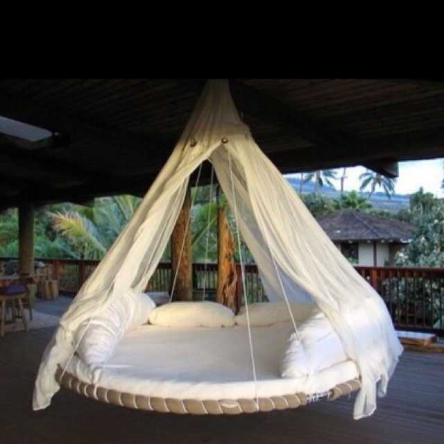 trampoline hammock... reuse, recycle and enjoy!