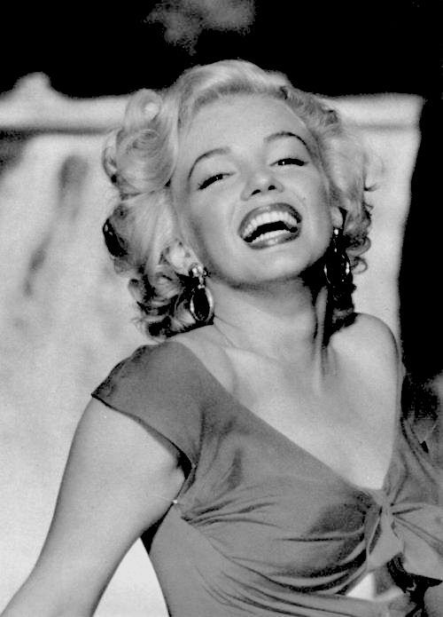 Marilyn Monroe for Niagara, 1953 | Marilyn | Pinterest | Beautiful smile, Norma jean and Marylin monroe