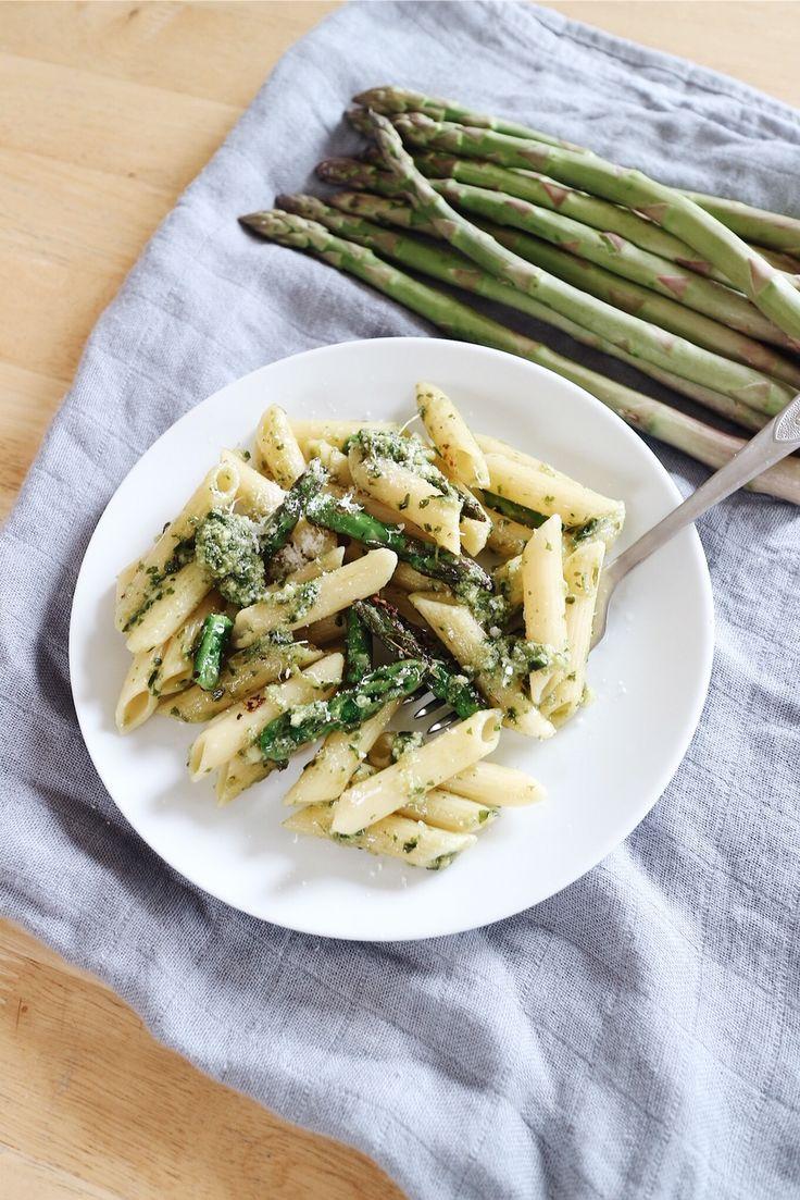 Cómo preparar pasta con pesto de espárragos verdes - Trucos de cocina Thermomix Salsa Pesto, Asparagus, Green Beans, Vegetables, Food, Recipes, Cooking Recipes, Hacks, Cook