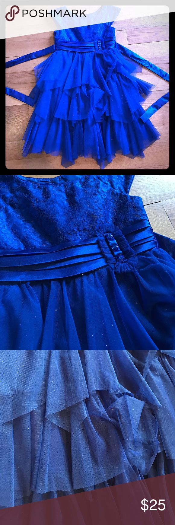 🌟Royal Blue Dress 🌟 Beautiful royal blue dress for girl . In perfect condition . Size 7. Open to offers ... Dresses Formal