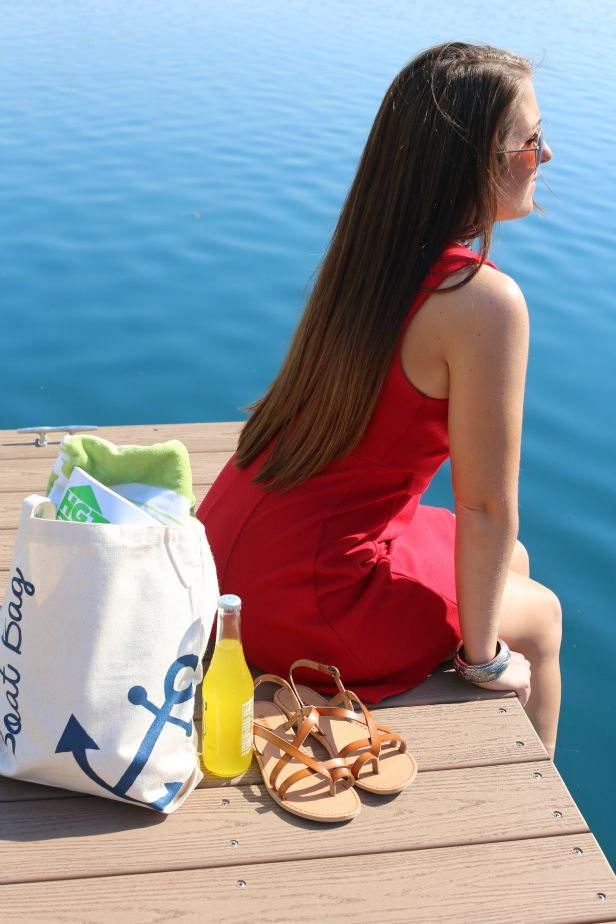 Weekday Crafternoon: Anchor-Stenciled Boat Bag From HGTV's Design Happens Blog (http://blog.hgtv.com/design/2013/05/14/weekday-crafternoon-anchor-stenciled-boat-bag/?soc=pinterest)