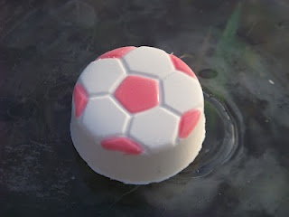 Can oreo cookies possibly get any better...yup, with more chocolate and soccer ball shaped! :)