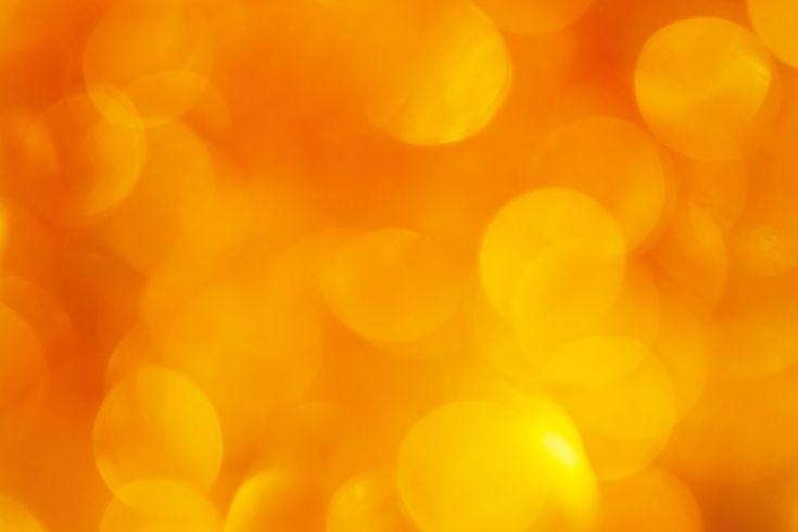 желтый и оранжевый размытые огни