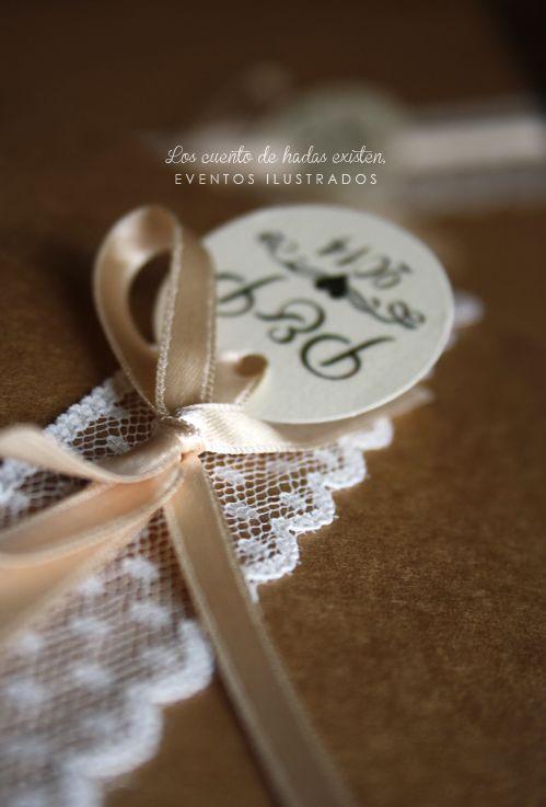 Invitaciones de boda con mucho detalle #puntilla #kraft #boda #invitaciones #detalle