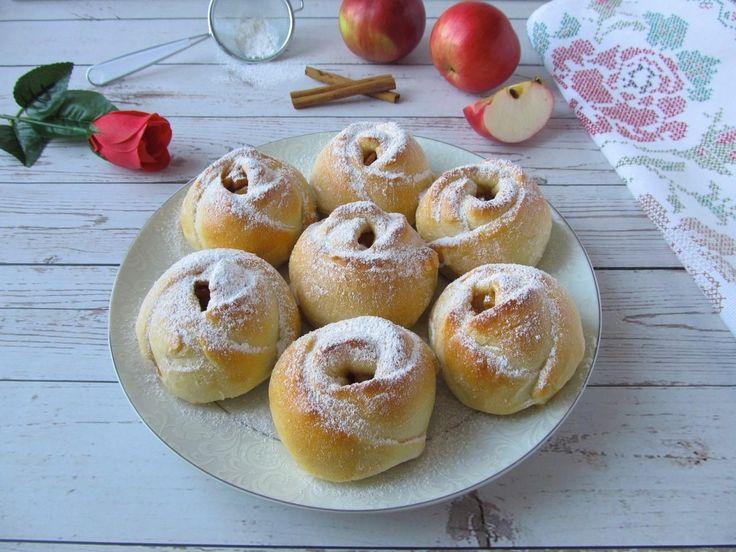 Булочки-розочки с яблоками из дрожжевого теста рецепт с ...