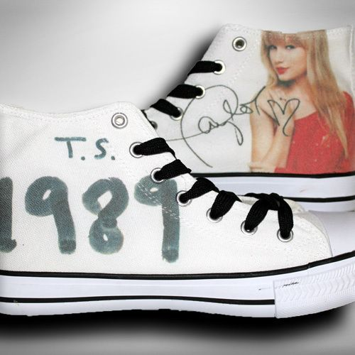 Taylor Swift Fan Shoes http://22taylorswift.com/