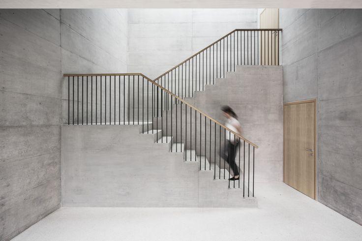 Bürobau bei Lausanne / Plissierter Beton - Architektur und Architekten - News / Meldungen / Nachrichten - BauNetz.de