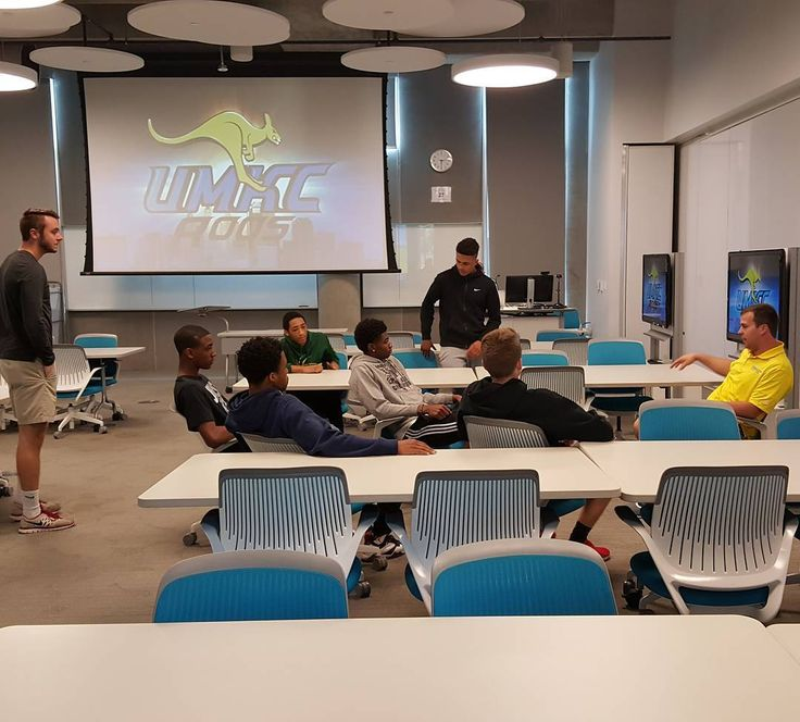 Student athletes taking part in learning what it takes to go to the next level.  #BasketBall #aau #college #highschool #Freedom #dreambigger #Motivation #teenagers #missouri #hustle #hooper #hoopersofinstagram #collegelife #fun #experience #hoop #ballislife #StudentAthletes #academia #nextlevel