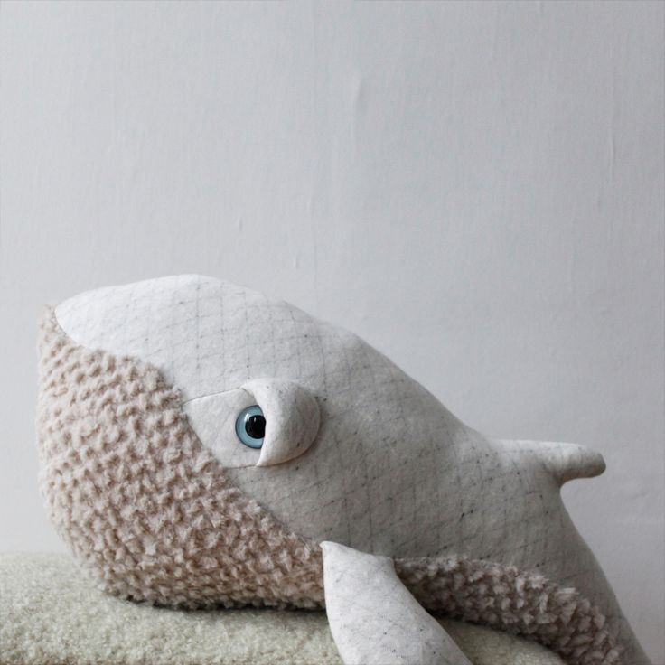 XL Albino Giant Whale Soft Toy 62cm-product   Smallable