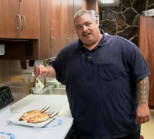 Watch Maui Electric employee Jon DeLima demo our Baked Salmon with Crab recipe, during the #ElectricKitchen's 20th Anniversary.