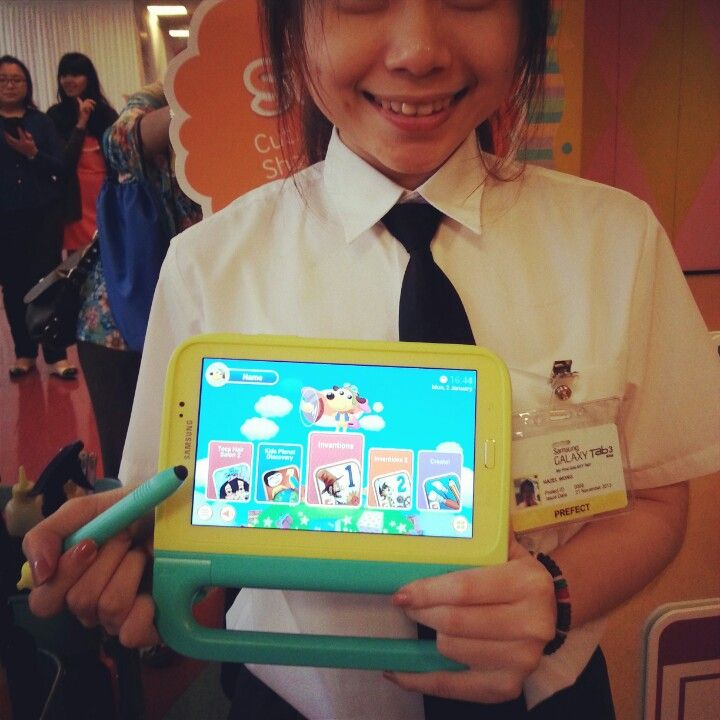 Love this Samsung Tab 3 for Kids. Target kids aged 3-9. Convertible to standard interface for parents' use. Wifi only, hence RM799 with case