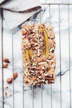vegan and gluten-free nut&fruit banana loaf - fannythefoodie.com