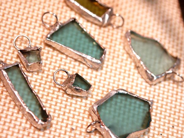 Soldering Sea Glass... Looks like a project to do with the sea glass Jax & Jett collect!