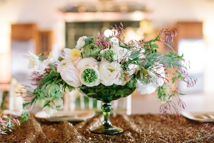 Gorgeous green and gold wedding. MARRIED | JASON & JAMIE at SUMMEROUR STUDIO » The Photography of Haley Sheffield, Juli Vaughn Designs florals and event design, Nuage Designs sequin linens