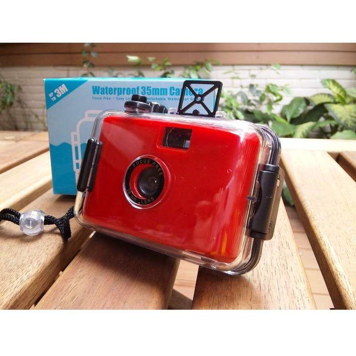 LOMO Waterproof Card Type 35mm Film Camera - Red Model  OOCS01RE Condition  New  Weight : 0.50 kg  Kamera Lomo termurah hanya di Gudang Gadget Murah. LOMO Waterproof Camera dapat digunakan untuk berfoto didalam air dengan ukuran film 35mm. Dapat digunakan hingga kedalaman 3-4 m. LOMO Waterproof Camera ini dibuat dari bahan plastik yang berkualitas dan hadir dalam berbagai macam warna yang menarik - Red