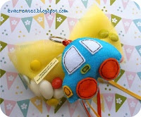 details of felt baby boys favours-car