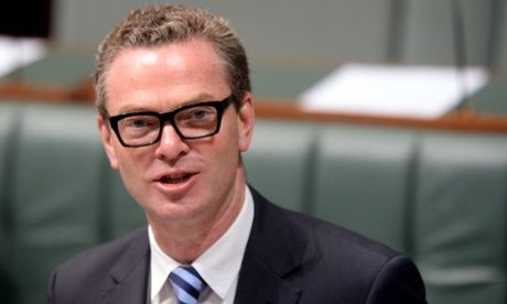 Christopher Pyne: curriculum must focus on Anzac Day and western history