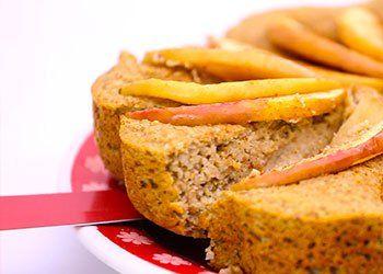 O bolo light de maçã é uma receita prática e muito saudável. Assista ao vídeo e experimente essa receita de bolo light de maçã