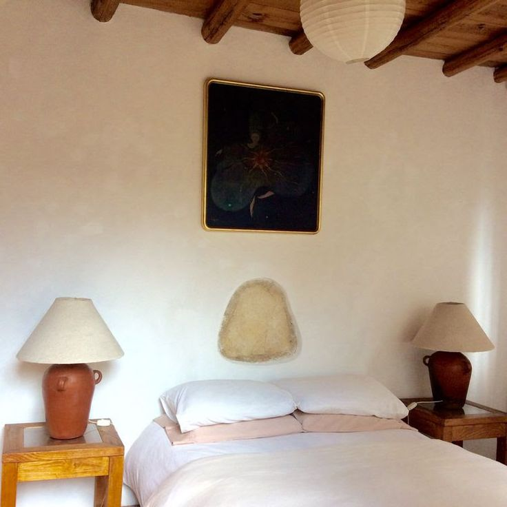 Welcome to book ARTIST HOUSE CASA TINTANATIVA. First floor Guest room.