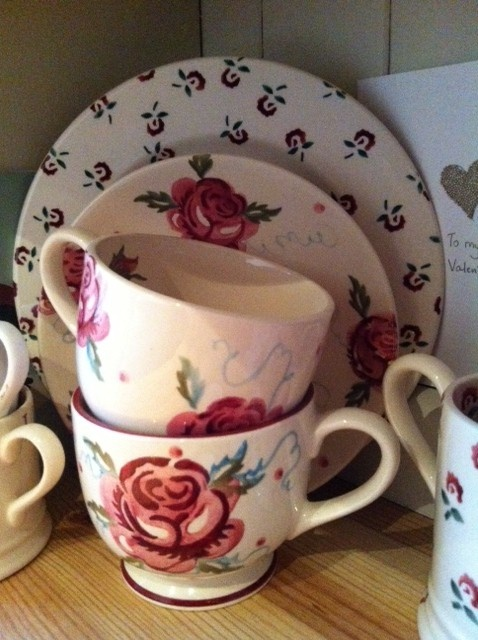 ** * Emma Bridgewater roses - have this in cups, saucers and butter dish