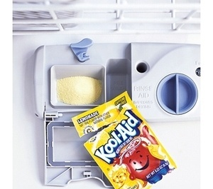 10 Macguyer style tips from Lifehacker.: Idea, Dishwashers Cleaners, Clean Tips, Koolaid, Clean Dishwashers, Citric Acid, Lemonade Kool Aid, Limes, Cleaning Tips
